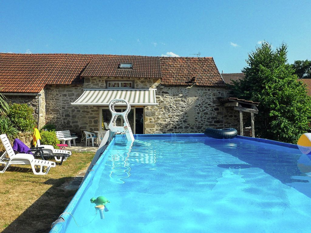 Cosy holiday home with private swimming pool in the centre Homes to rent in france with swimming pool