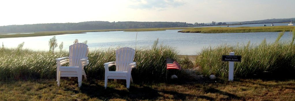Spacious Waterfront Coastal Cottage In Pine Point Maine On