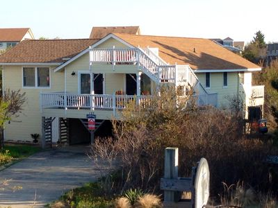 Photo for 4 BR Cottage with separate private suite, 9 lots to beach, Hot Tub, pet friendly