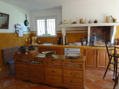 Photo for Villa of character in the Aix countryside