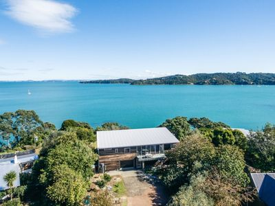 Photo for TUI POINT WAIHEKE | Be My Guest