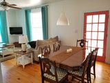 Relax in a Pecan Orchard 15 min. from Airport