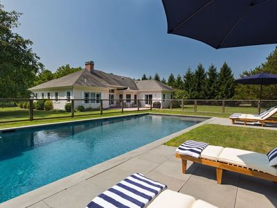 Photo for Tranquil getaway in Sagaponack