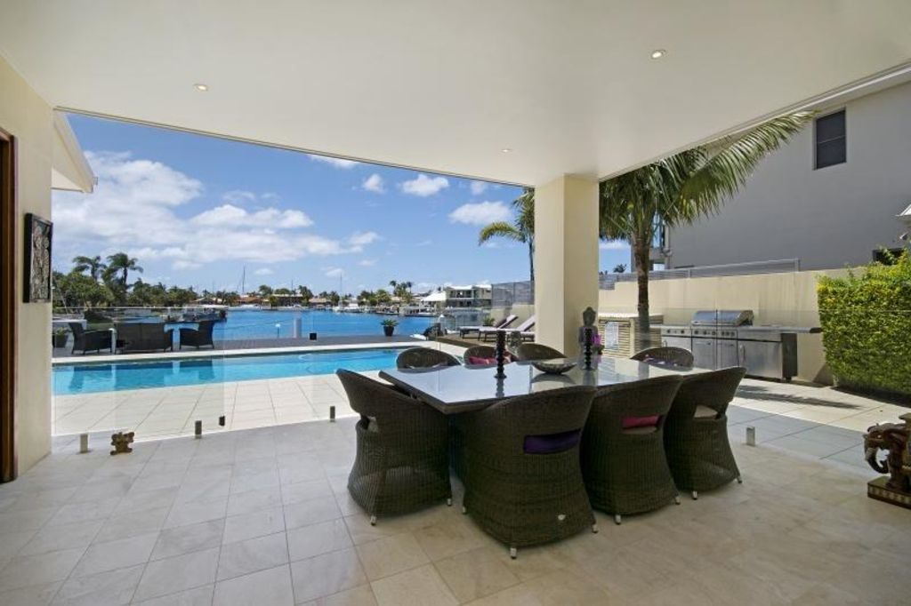3 Bedroom Deep Waterfront Home For A Luxurious Escape And