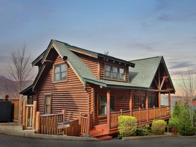 Photo for Spacious log cabin with everything you need to relax with family and friends!