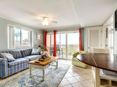 Photo for Beautiful Indoor Pool Solarium & Game Room - Bayfront Near Convention Ctr!