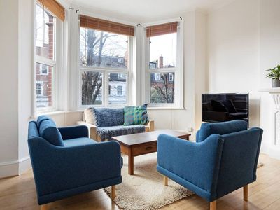 Photo for Victorian-style 3-Bed Apt in S Hampstead