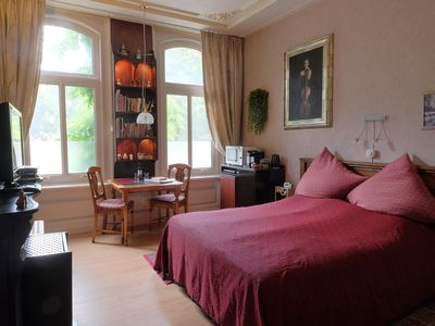 Stylish room on the ground floor, centrally located