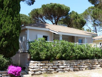 Photo for Secure villa with swimming pool and tennis, at 6 km from Saint Tropez