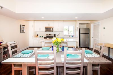 Ideal open concept kitchen with island to create a great space for entertaining.