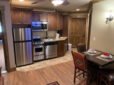 Photo for Full kitchen plus washer/dryer, hot tub, balcony, fire place, 885 sq. ft.