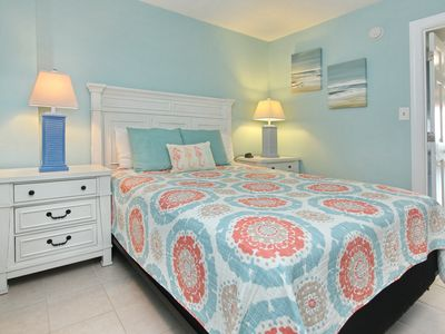 Photo for Direct Oceanfront Newly Renovated 1 Bd Condo Close to Everything in Myrtle