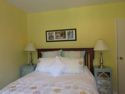 Photo for QUEEN ROOM in CAMPBELL COTTAGE B&B CLOSE TO DOWNTOWN and FERRY
