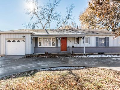 Photo for Relaxing and spacious single family in heart of Overland Park