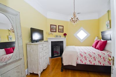 The master suite is complete with ensuite bath, queen bed and luxurious linens.