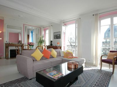 Photo for Spacious Grand St. Martin apartment in 03ème - Temple - Le Marais with WiFi & lift.