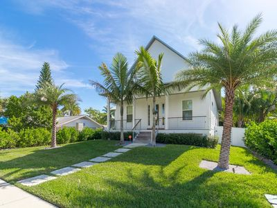 Photo for Luxury 4 bedroom Home with private pool in Longboat Key