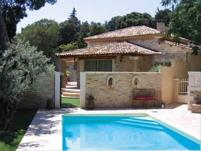 Photo for Beautiful Stone Villa with Pool, 2 Mn from Center of Avignon