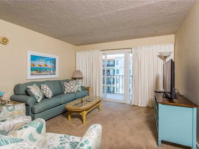 Photo for Vacation in the Golden Isles! Spacious and Oceanfront Condominium Great for Small Families