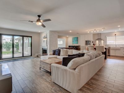 Photo for Gorgeous Modern Renovated Home