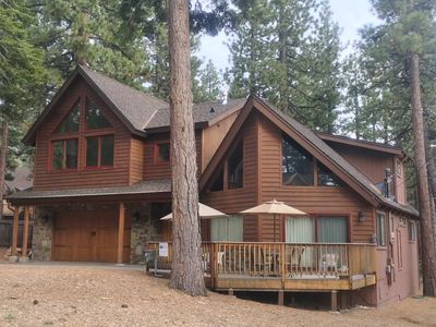 Photo for Cozy South Lake Tahoe Chalet Near Heavenly
