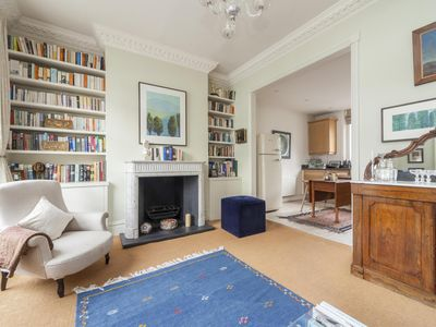 Photo for Clarendon Road III - luxury 1 bedrooms serviced apartment - Travel Keys