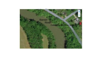 Bungalow in the bend of Barren River