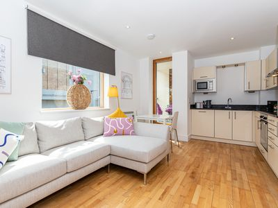 Photo for ★Trendy apartment in the heart of Oxford City Centre by Oxford Castle ★