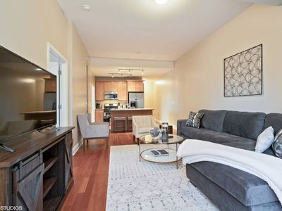 Photo for South Loop 2BR Apartment Near McCormick - Two Bedroom Apartment, Sleeps 7
