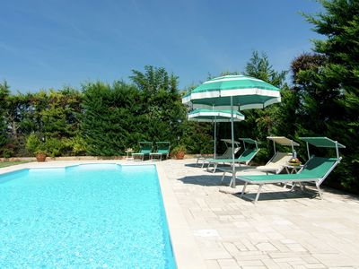 Photo for Centrally located holiday home with swimming pool and flowered garden