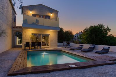 Beautiful newly built holiday house with swimming pool - 2