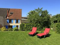 Beautiful home. Wonderful hosts. Delicious champagne. Stunning area.