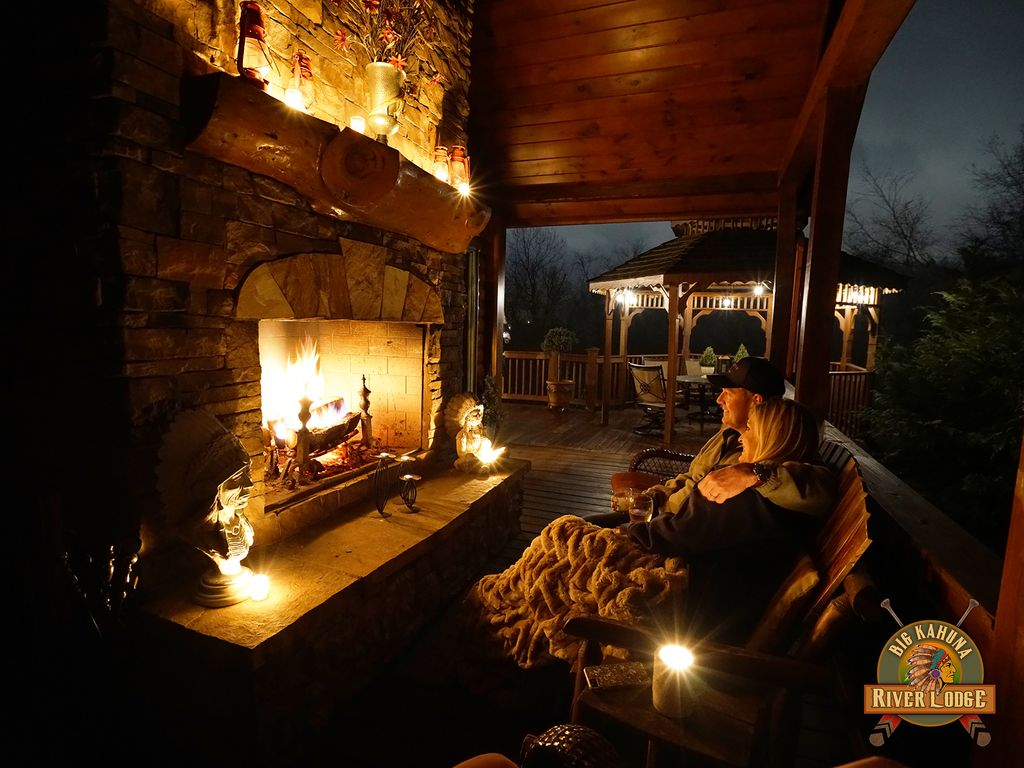 LUXURY LODGE 375 FT ON TOCCOA RIVER! Hot Tu... - VRBO