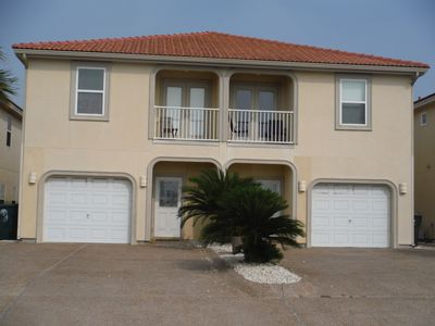 Photo for Beautiful 3 Bedroom Town Home, 2.5 Bath w/ Master Bath Jetted Tub