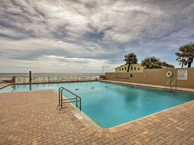 Photo for Cozy Daytona Beach Oceanfront Studio w/Pool Access