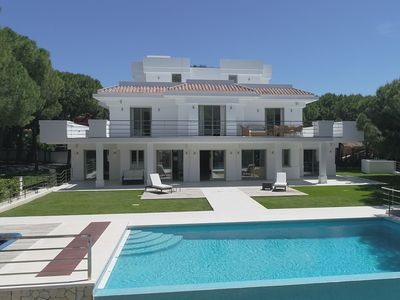 Photo for Stunning contemporary villa 5 bedrooms private pool Marbella