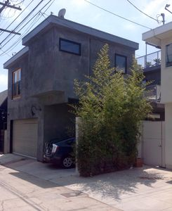 Photo for Modern Apartment Close To The Beach And Abbot Kinney Boulevard