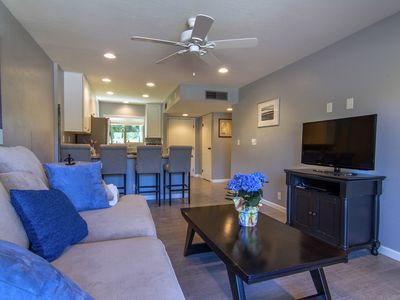Photo for Beautifully Remodeled Condo, In Resort Like Setting In Downtown Scottsdale.