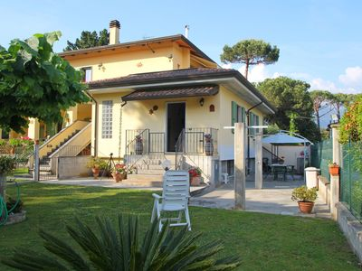 Photo for Flat for 4, 900m from Sea, Garden, WiFi, Relaxing