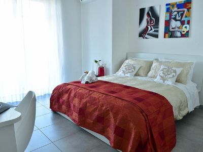 Photo for Luxurious apartment with 3 superior / luxury bedrooms and an en suite bathroom