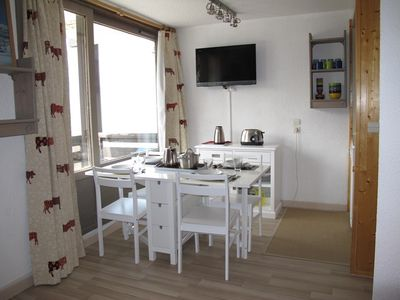 Photo for 2 bedroom apartment renovated 27 M2, WIFI, center of Val Thorens, Ski Out