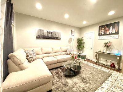 Photo for 🌟🌟Rare Find.Spacious rooms in a fully redecorated townhouse close to everything
