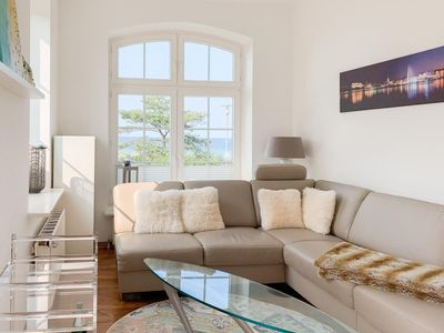 Photo for Fantastic sea view! Charming apartment right on the beach with south-facing balcony