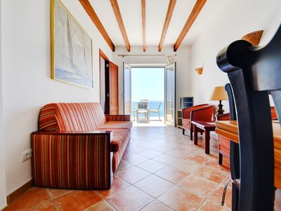 Photo for Splendid waterfront apartment with incredible views!