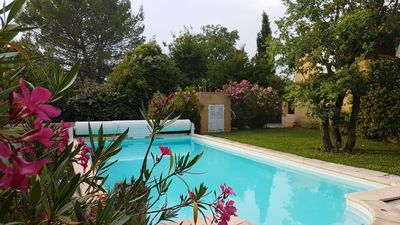Photo for Large friendly house in Provence, oasis of greenery