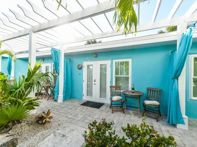 Photo for Tropical Breeze Resort - Full Kitchen, Living, Dining - Located in Siesta Key Village - Short Walk to Beach. 2 POOLS, 1 SPA. FREE Bikes, Beach Chairs, Beach Towels, WiFi, Parking , Games, BBQs and More!