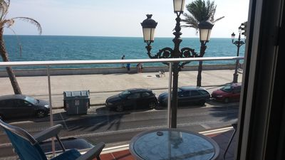Photo for Central, spacious and comfortable apartment with spectacular sea views