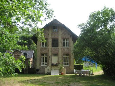 Photo for Pretty Flemish-style Farmhouse in Chateau grounds