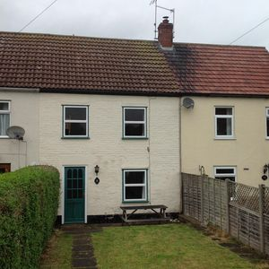 Photo for Family Owned Cottage Close to Village Centre and 5 Mins to Sandy Beach