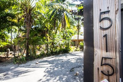 Welcome to your tropical getaway!! 515 is perfect for 2-3 couples or a family.